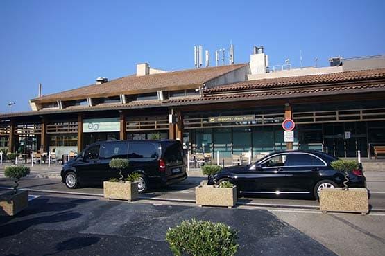 Navette VTC entre Toulon et l'Aéroport de Toulon Hyères